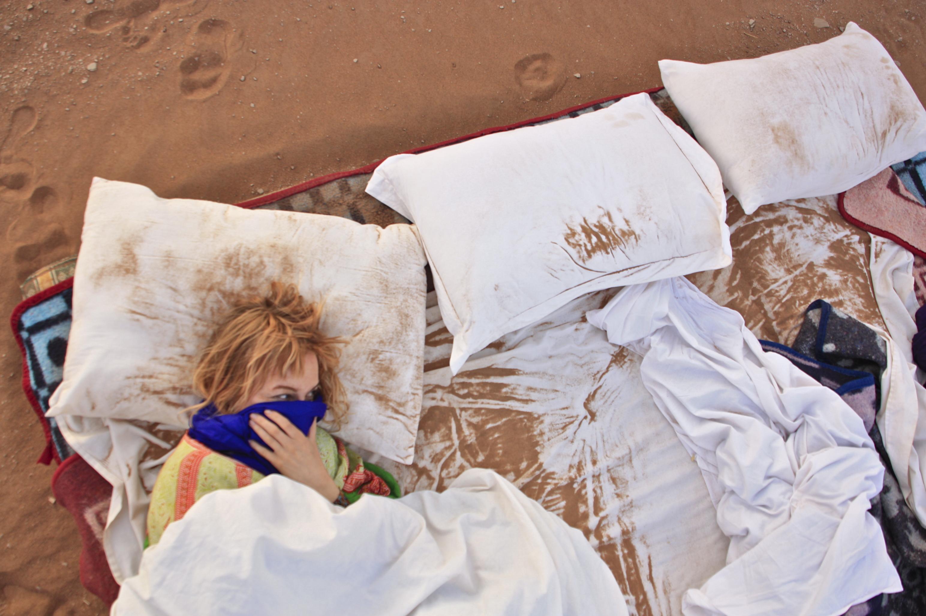Sahara Marokko yö aavikolla