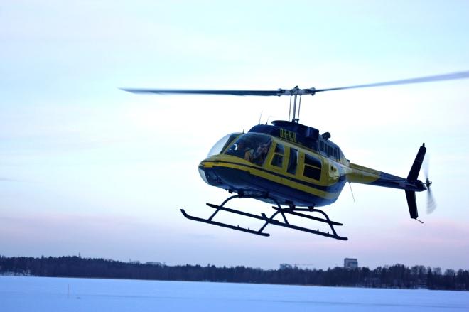Rotorway helikopterilla Helsingin yllä